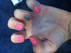 Pink and grey nails !!