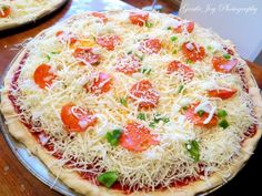 Homemade Pizza - http://gentlejoyhomemaker.blogspot.com/2015/01/homemade-pizza-yum.html