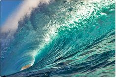 Have there every been a more perfect and pretty wave? Nature in all it's beauty