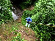 things-to-do-in-costa-rica-canyoning-rapelling