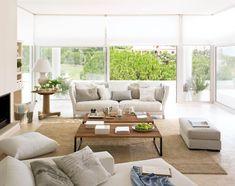 Sin color, ¿un ambiente es monótono?  Con una acertada mezcla de estilos y texturas, una estancia decorada en un solo color puede ser tan in...