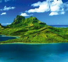 island of Bora Bora off of Tahiti Bora Bora Honeymoon Resorts, Seychelles, Honeymoon Packages, Vacation Packages, Vacation Spots, Photos Voyages, Beautiful Sunrise, Online Gratis, Outdoor Travel