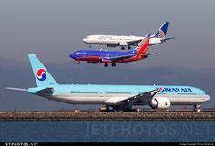 High quality photo of HL8274 (CN: 41998) Korean Air Boeing 777-3B5ER by Liav Zimelman
