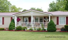 Very charming ranch home with lovely front porch. The porch design could work well on a modular or mobile home, too. *Click image for source.* Let's connect for more inspiration, ideas & TIPS! Mobile Home Porch, Mobile Home Exteriors, Mobile Home Living, Porches On Mobile Homes, Front Porch Addition, Front Porch Design, Porch Designs, Remodeling Mobile Homes, Home Remodeling