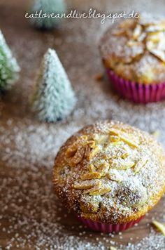 Das Rezept für winterliche Kirsch-Marzipan Muffins mit Puderzuckerschnee gibt es auf meinem Blog!