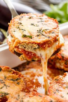 Best Baked Eggplant Parmesan Delicious Baked Eggplant Parmesan with crispy coated eggplant slices smothered in cheese and marinara. – Delicious Baked Eggplant Parmesan with crispy coated eggplant slices smothered in cheese and marinara. Vegetarian Recipes Dinner, Vegan Recipes, Cooking Recipes, Delicious Recipes, Cooking Ideas, Chard Recipes, Cooking Rice, Parmesan Recipes, Vegetarian