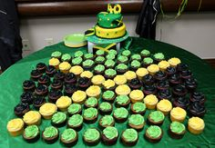 Cake and cupcakes for Jamaican themed 40th birthday party.