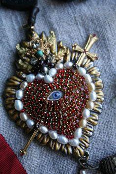 Heart Jewelry, Jewelry Art, Jewelry Design, Heart Necklaces, My Funny Valentine, Valentines, Art Textile, Bijoux Diy, Heart Art