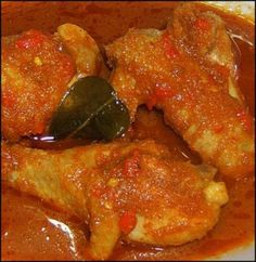 ayam pedis Rice Recipes, Asian Recipes, Tasty, Yummy Food, Indonesian Food, Kitchen Recipes, Pedi, No Cook Meals, Spicy