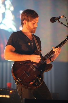 caleb followill. Musician, beard, slightly ginger hair and an accent. Ideal.