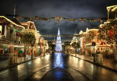 Christmas On Main Street by William McIntosh, via 500px