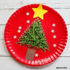 Kids will have so much fun making this paper plate Christmas tree craft. It can also be an easy first time sewing activity for little ones.