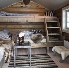 Cosy country cabin rooms - Would make a nice bunk house Cozy Cabin, Cozy House, Cabin Chic, Guest Cabin, Winter Cabin, Cozy Winter, Cabin Homes, Log Homes, Bunk Rooms