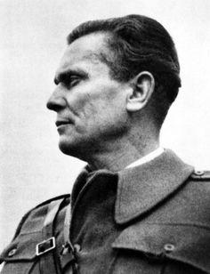 Josip Broz Tito Bihać 1942 - Yugoslavia - Wikipedia, the free encyclopedia