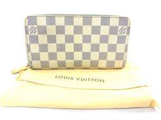 Je viens de mettre en vente cet article : Portefeuille Louis Vuitton 450,00 € http://www.videdressing.com/portefeuilles/louis-vuitton/p-5324924.html?utm_source=pinterest&utm_medium=pinterest_share&utm_campaign=FR_Femme_Sacs_Petite+maroquinerie_5324924_pinterest_share