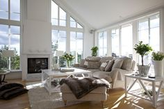 White, light and cosy in Saltsjö-Boo.