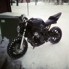 MT03 in snowtires
