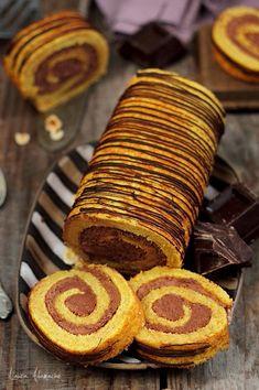 Felii de rulada cu dovleac Cooking Recipes, Healthy Recipes, Dessert Recipes, Desserts, Dessert Ideas, Relleno, Sweet Recipes, Foodies, Sweet Treats