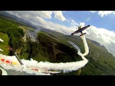 ▶ Aerobatic flying with the Red Bull Matadors - YouTube