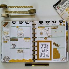 First week in October: cue little leaves all over my planner!  I've got to have leaves somewhere since its 80 & sunny in So Cal. Also, who uses gold #gilding in their planner?! It's my new favorite thing! That and my @the_happy_planner gold foil to-do stickers! Love.