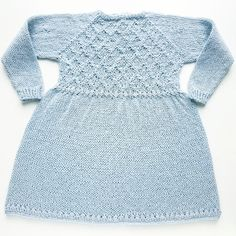 Beautiful soft and light dress with a lovely diamond pattern on the front  and back yoke. Perfect for everyday princesses for every occasions.  It's  knitted top down with raglan and can easily be adjusted for a perfect fit.  6 months (12-18months) 2 years (4 years) 6 years