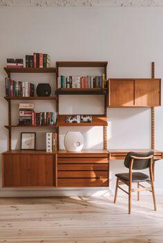 70s Furniture, Furniture Design, Mid Century Wall Unit, Modern Wall Units, Retro Home, Mid Century Modern Design, Home Office Decor, Home Decor Inspiration, Decor Ideas
