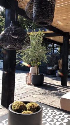 Modern Patio Design, Outdoor Patio Designs, Small Garden Design, Pergola Designs, Modern Landscaping, Diy Patio, Outdoor Decor, Pebble Landscaping, Backyard Pavilion