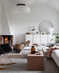 Peek Inside a Cozy Family Home in Stockholm With a Seamless Mix of High and Low . - - Peek Inside a Cozy Family Home in Stockholm With a Seamless Mix of High and Low Decor - NordicDesign Living Room Inspiration, Home Decor Inspiration, Decor Ideas, Cozy Living Rooms, Living Room Decor, Canapé Design, Interior Design, Nordic Design, Interior Styling