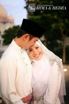 Newleyweds couple after solemnization (aqad nikah) ceremony.