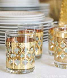 Pretty gold details add glamor to the glassware - Traditional Home® / Photo… Traditional Decor, Traditional House, Home Photo, Vintage Glassware, Tea Set, Home Design, Design Ideas, Dinnerware, Decoration