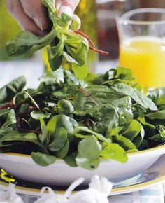 Spinach, Vegetables, Food, Mint, Cilantro, Essen, Vegetable Recipes, Meals, Yemek