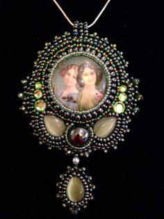 Awesome SISTERS bead embroidered focal pendant -  Twins-pendant By Astrid de Koning