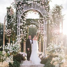 Now that's how you have a spring wedding! WOW, like this post if you would wa… Now that's how you have a spring wedding! WOW, like this post if you would want this many flowers? Wedding Wows, Timeless Wedding, Floral Wedding, Wedding Flowers, Dream Wedding, Paris Wedding, Wedding Aisles, Wedding Ceremony Decorations, Wedding Locations