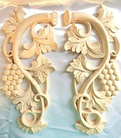 "13-1/2""H X 5-3/4""W X 3/4""TH, Hand Carved Solid Wood Grape Coner Applique Onlay Corbel( Pair L&R) OW1039"