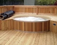 Great Tips For Landscaping Around A Hot Tub – Pool Landscape Ideas Hot Tub Garden, Hot Tub Backyard, Jacuzzi, Round Hot Tub, Hot Tub Cover, Cedar Deck, Deck Design, Lift Design, House With Porch