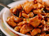 Kung Pao Chicken exists both in traditional Chinese cuisine and on takeout menus. This easy, authentic Sichuan kung pao chicken recipe is the real thing. Chinese Takeaway, Chinese Food, Chinese Chicken, Wok Of Life, Authentic Chinese Recipes, Asian Recipes, Ethnic Recipes, Asian Foods, Fries In The Oven