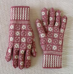 Ravelry: Project Gallery for Duke Design Sanquhar Gloves pattern by Scottish Women's Rural Institute (SWRI)