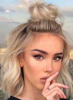 Lob Hairstyle, Lob Haircut, Elegant Hairstyles, Hairstyles Haircuts, Hairdos, Updo, Angled Bob Hairstyles, Thin Hair Haircuts, Short Hair Cuts