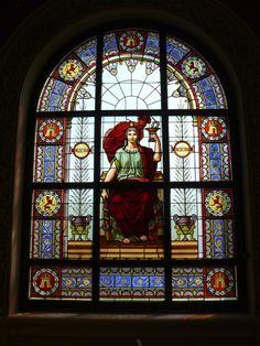 Vidriera. Paraninfo de la Universidad de Zaragoza Stained Glass Windows, Studios, Painting, Medicine, Zaragoza, University, Glass, Universe, Artists