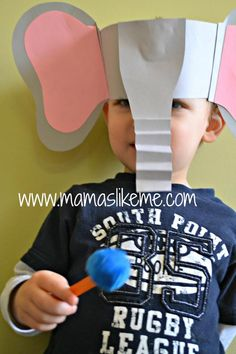 Mamas Like Me - Easy #Horton Hears a Who mask - must remember this one for #Dr.Seuss Week next year! Loooooove this, definitely doing this for story time.