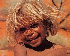 Aboriginal child ~ Indigenous people of Australia The beauty of being Aboriginal. Aboriginal Children, Aboriginal People, We Are The World, People Around The World, Beautiful Children, Beautiful People, Beautiful Babies, Blonde Brown Eyes, Australian Aboriginals