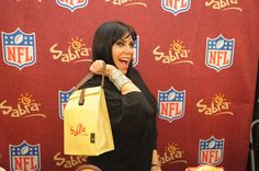 Photos: Mob Wives Star Renee Graziano and Terrell Owens enjoying Sabra Hummus #Getmybuzzup #MobWives- http://getmybuzzup.com/wp-content/uploads/2014/02/renee-graziano-picking-up-some-sabra-hummus-and-snacks-at-GBK-ARUBA-DirecTV-Gift-Lounge.jpg- http://getmybuzzup.com/photos-mob-wives-star-renee-graziano-terrell-owens-enjoying-sabra-hummus-getmybuzzup-mobwives/- Mob Wives Star Renee Graziano and Terrell Owens enjoying Sabra Hummus Former NFL player Terrell Owens and Mob Wives�