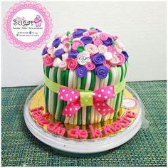 P244 torta dia de la madre. pinksugar#pinksugar #cupcakes  #barranquilla #pasteleria #reposteriacreativa #tortas #fondant #reposteriabarranquilla #happybirthday  #vainilla  #cake #baking  #galletas #cookies  #buttercream #vainilla  #oreo  #cupcakesbarranquilla #brownie #brownies #chocolate #rosecake
