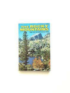 vintage golden nature guide trees vintage pocket book vintage field guide collectible. Black Bedroom Furniture Sets. Home Design Ideas