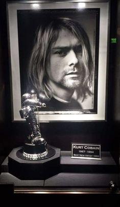 Kurt Cobain Photos, Nirvana Kurt Cobain, Black Hole Sun, Frances Bean Cobain, Donald Cobain, Foo Fighters, Cute Guys, Rock N Roll, Grunge