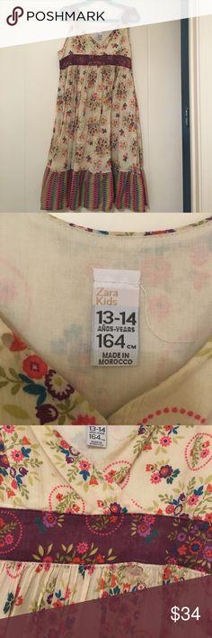 Zara dress, size 13/14 Floral dress, excelent condition Zara Dresses Casual