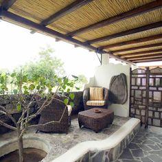 Ogni camera ha la propria terrazza indipendente,dove potersi godere la propria vacanza in totale relax!!!www.bed-breakfast-panarea.it