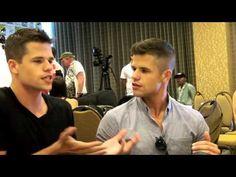 ▶ Daniel Sharman and Max and Charlie Carver Talk TEEN WOLF at San Diego Comic Con 2013 - YouTube