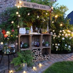 Um den Abschluss des To celebrate the conclusion of the Jahrhundersommers, I have built a small bar for my family and friends. Landscaping Tools, Landscaping Company, Petits Bars, Unique Garden, Small Garden Bar Ideas, Garden Ideas, Patio Interior, Small Bars, Diy Bar