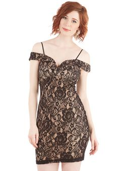 I'll Be Flair Dress in Lace. Youre set to stun in this lacy dress! #gold #prom #modcloth